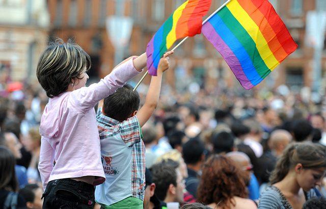Cómo tratar la homosexualidad en la escuela