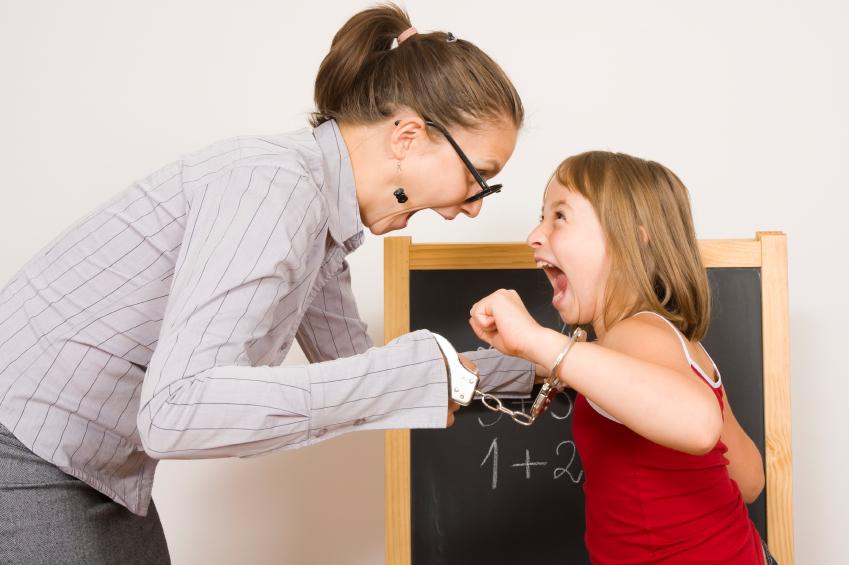 Qué hacer si la maestra le grita a mi hija