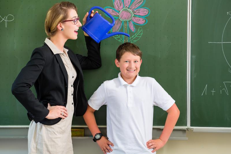 Alumnos que se enamoran de su profesora