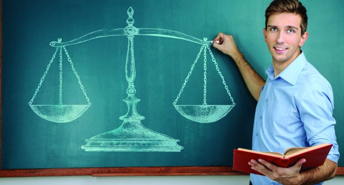 Por qué algunos docentes no poseen ética profesional